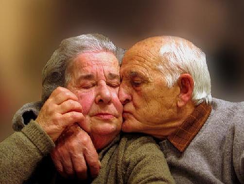 После таких фото хочется верить, что любовь вечна 2